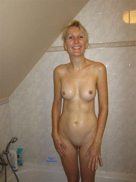 Sexy Amateur Blonde August Voyeur Web