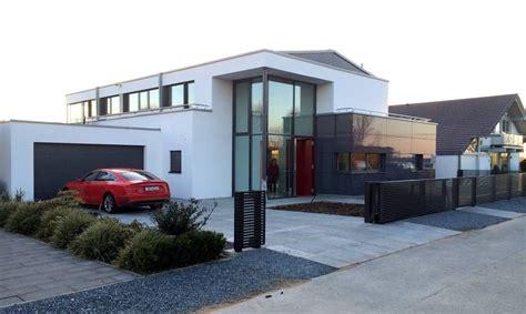Moderne Häuser Aussenanlage by Designzaun Magnus Zaun De Eing 228 Nge Zufahrten