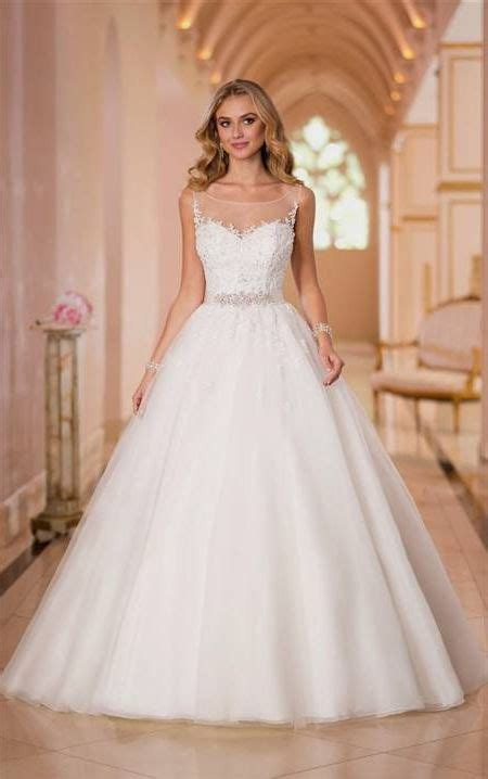 Ball Gown Wedding Dresses With Sweetheart Neckline And
