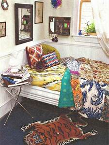 35 Charming Boho-Chic Bedroom Decorating Ideas - Amazing