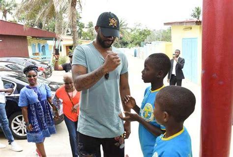 Fally Ipupa Vient Aide Aux Enfants Défavorisés De Côte D