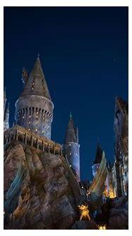 File:Hogwarts (28731109744).jpg - Wikimedia Commons