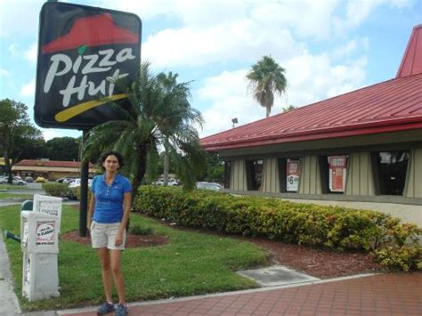 pizza hut miami gardens pizza hut miami 5731 nw 36th st restaurant reviews