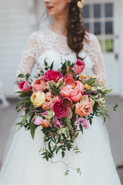 pink wedding flowers bridal bouquet