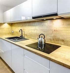Ikea Arbeitsplatte Eiche : wei e hochglanz fronten und eiche arbeitsplatte und r ckwand wohnung pinterest ~ Markanthonyermac.com Haus und Dekorationen