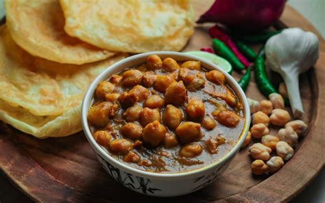 Chole bhature is popular in north india. Restaurants Delivering Chole Bhature In East Pune ...