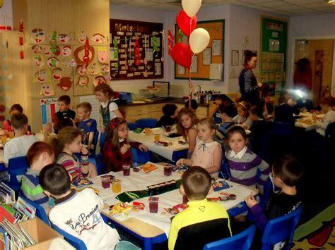 st johns catholic primary school christmas party 13 14