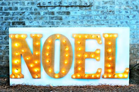 Outdoor Diy Marquee Sign For The Holidays! #damagefreediy
