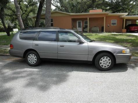 purchase   toyota camry le wagon  door