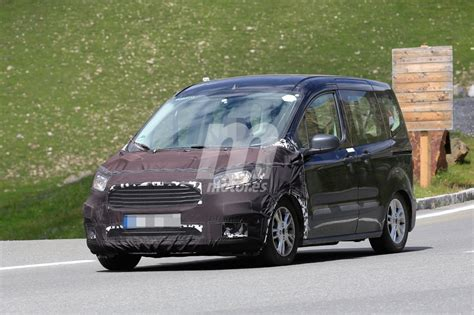 ford tourneo courier 2018 ford tourneo courier 2018 nuevas im 225 genes inminente facelift motor es