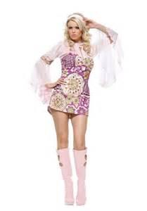 How to Dress Like a Hippie Flower Power
