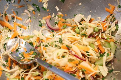 Tradicionālie BBQ salāti - Lindas Virtuve
