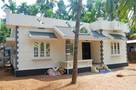 beautiful kerala style home   lakh plan model enteveedu