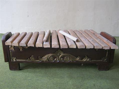 Gangor cangor merupakan alat musik tradisional jambi yang terbuat dari bambu. Azhar MJ_Jambi: ALAT-ALAT MUSIK TRADISIONAL MELAYU JAMBI