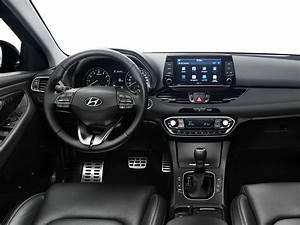 Hyundai I30 Cw : hyundai i30 cw 2017 1 drive arabia ~ Medecine-chirurgie-esthetiques.com Avis de Voitures