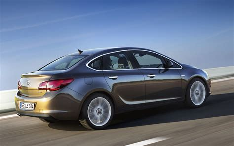 2014 Opel Astra Sedan Gtc Top Auto Magazine