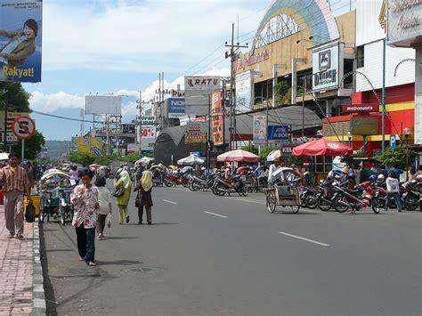Tenang (bergelombang), ketinggian gelombang 0,2 m. Gajahmada Plaza - Malang