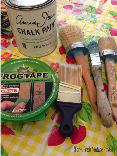 How to Paint Cabinets Using Annie Sloan Part 2   Farm