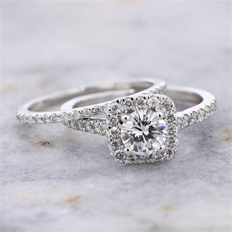 14k white gold 0 67ct g vvs1 round diamond and cushion