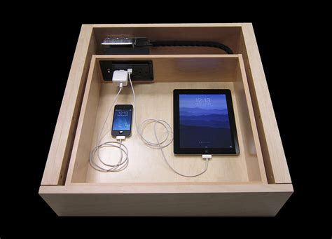 clear clutter  dock discreetly   docking drawer