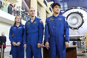 Russian officials say no decision until Monday on Soyuz ...