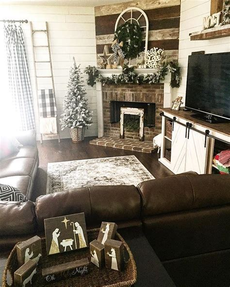 Living Room Design Around Fireplace by 1000 Ideas About Corner Fireplace Mantels On