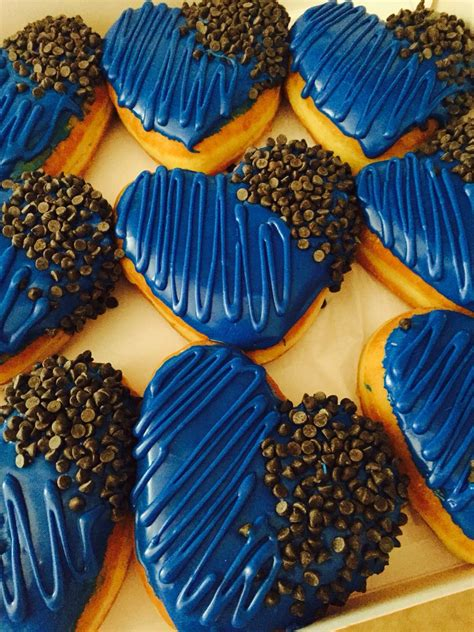 thin blue  doughnuts  leo  leow police