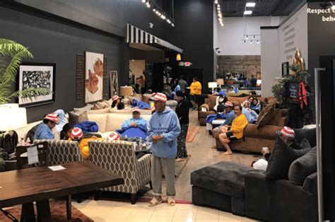 mattress mack opens furniture warehouse  houston refugees