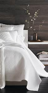 Table De Nuit Blanche : installer une table de nuit suspendue pr s de son lit les avantages ~ Teatrodelosmanantiales.com Idées de Décoration