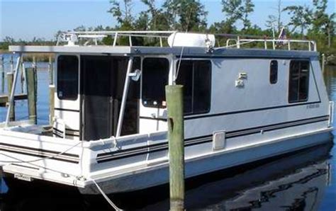 Small Boat Motor Repair Near Me by Catamaran Aqua Cruiser Houseboats