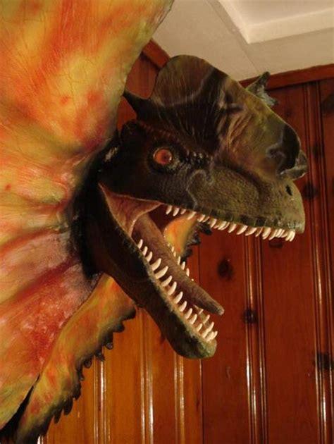 geekologie reader  dilophosaurus geekologie