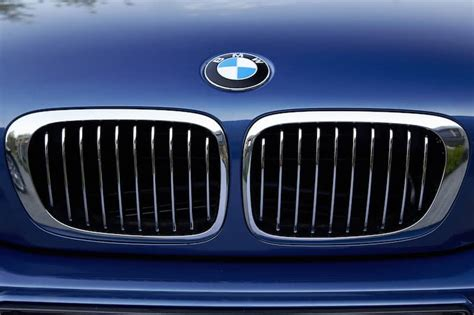 How To Remove Bmw Emblem