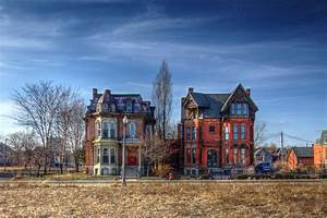 Detroit's Abandoned Ruins Are Captivating, But Are They ...
