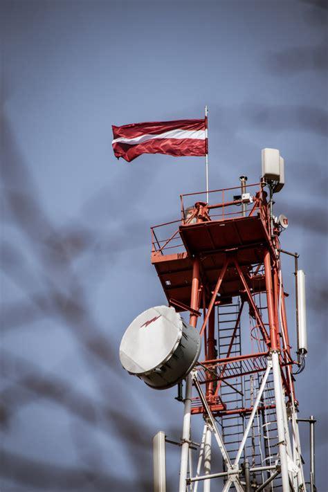 Par godu Preiļu pilsētas svētkiem televīzijas tornī plīvo ...