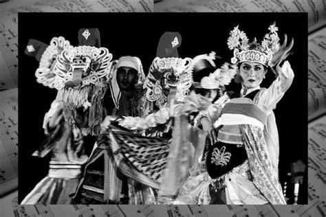 Papuik juga terdapat 2 jenis, papuik yang terbuat. √ Musik Nusantara : Pengertian, Sejarah, Fungsi & Ragamnya