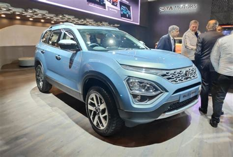 Tata Buzzard (7-seater Harrier) Breaks Cover At 2019 Gms