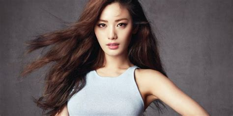 Nana shocks netizens by cutting her hair into a short bob