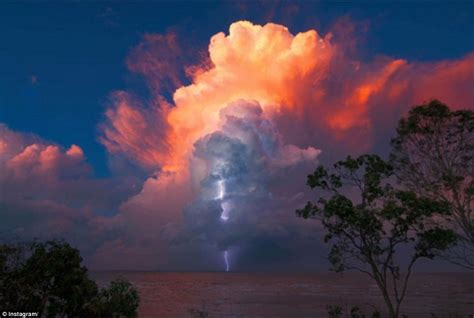 Amazing Photos Ice Clouds After Storms Brisbane