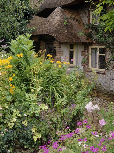 Country Garden Photos (71 Of 180