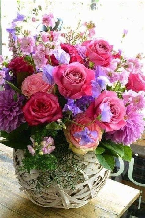 bouquet de fleurs anniversaire photo image bouquets d efleurs fleurs bouquet de fleurs et fleurs anniversaire