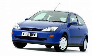 Uk 1999  Ford Focus Takes The Lead  Vauxhall Astra On