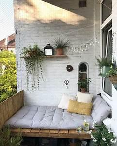 Kleiner Balkon Einrichten : juhu unsere diy bank ist balkon m bel dekoration balcony home decor und balcony design ~ Orissabook.com Haus und Dekorationen