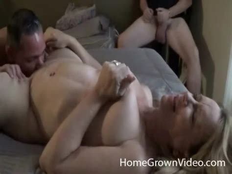 Cuckold Watches His Curvy Wife With Another Guy Amateur Porn