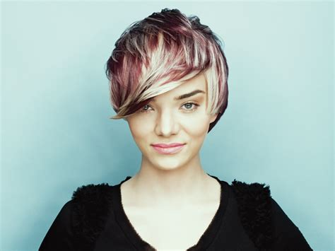Short Haircut With Different Hair Colors Applied In Layers