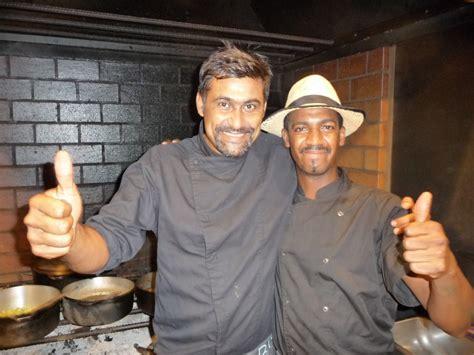 cuisiner au feu de bois le choka bleu restaurant la saline les bains l 39 éclosion