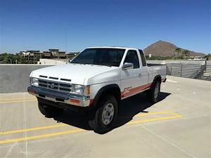 1992 Nissan Hardbody King Cab 4x4  99 000 Miles 1