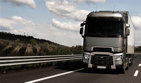 renault trucks 2014 camion de l ann 233 e 2015 renault trucks enfin r 233 compens 233