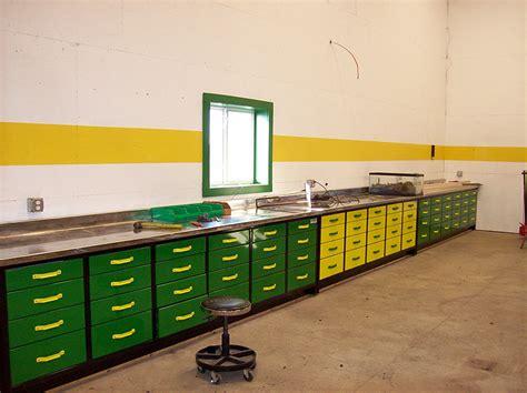 heavy duty workbenches built   lifetime mctavish