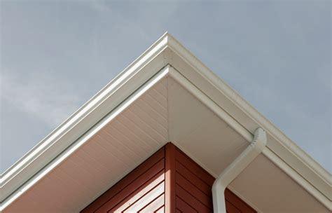 prix lambris pvc exterieur sous toiture pose lambris sous toiture simple habillage de bandeaux sous de toit en pvc with pose