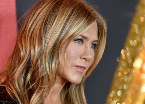 Jennifer Aniston 'desperate' To Get A Man By 50